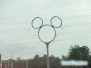 Słup wysokiego napięcia Myszka Miki