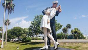 Legendarny pocalunek i pomnik